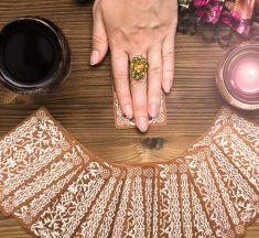 A Guide To Help You Select The Right Psychic Online